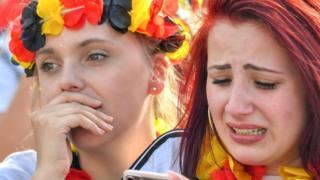 Болельщицы немецкой сборной грустят