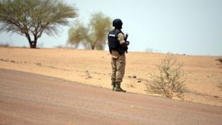 Un gendarme burkinabé déployé à Tambao, à 350 kilomètres au nord de la capitale Ouagadougou (illustration).