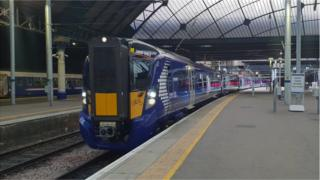 Train arrives in Glasgow