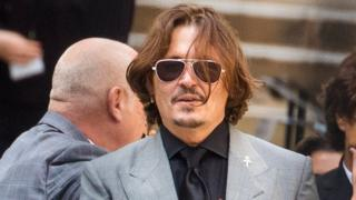 Johnny Depp seeks delay to US defamation trial due to Fantastic Beasts 3 filming thumbnail
