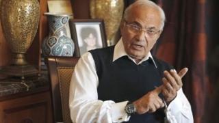 Ahmed Shafik est le dernier Premier ministre du président Hosni Mubarak, qui a été évincé du pouvoir par une révolte populaire en 2011.