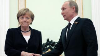 Vladimir Putin və Angela Merkel sonuncu dəfə Moskvada, Kremldə 2015-ci il mayın 10-da görüşüblər.