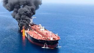 ရေနံတင်သင်္ဘောတွေ တိုက်ခိုက်ခံရမှုနဲ့ အမေရိကန်နဲ့ အီရန်ကြား တင်းမာမှု