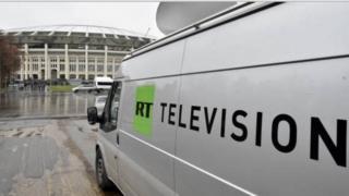 """Selon Human Rights Watch (HRW), les restrictions imposées par Washington à la chaîne russe RT sont """"malheureuses""""."""