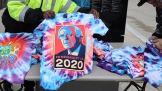 A t-shirt featuring Mr Sanders' picture bears the words 'Hindsight is 2020'