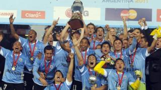 Uruguay campeón de la Copa América 2011 en Argentina.