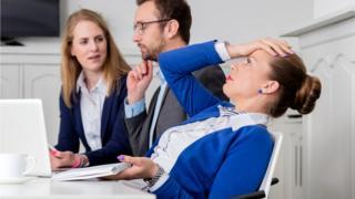 В некоторых ситуациях доходит до того, что коллеги по полгода не разговаривают друг с другом