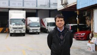 蒋志伟认为,港珠澳大桥降低运输成本,让来往珠江西部的陆路运输可以与水路竞争。