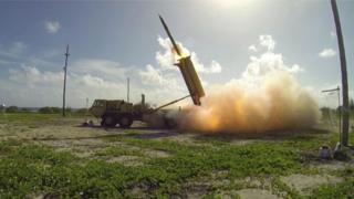 (ภาพประกอบจากแฟ้มภาพ) ระบบป้องกันขีปนาวุธ THAAD ขณะทดสอบใช้งาน