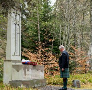 in_pictures Prince Charles at Balmoral war memorial