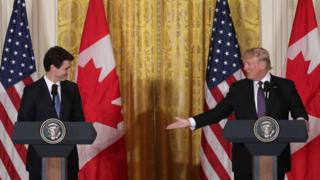 US President Donald Trump (right) and Canadian Prime Minister Justin Trudeau