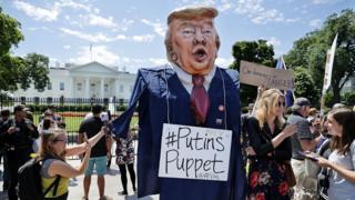 biểu tình phản đối Trump
