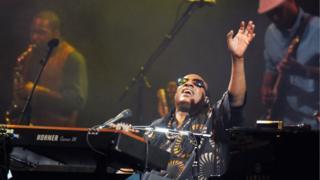 Stevie Wonder plays Glastonbury, 2010