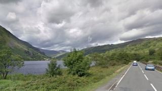 The A498 near Llyn Gwynant