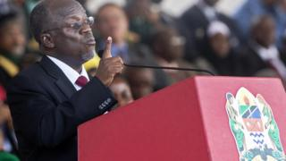 Tanzania's president John Magufuli delivers a speech during the swearing in ceremony in Dar es Salaam, on 5 November, 2015.