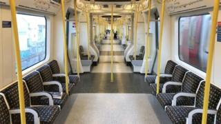 in_pictures Empty Tube train