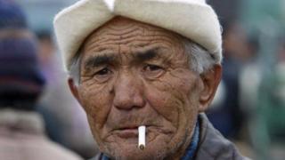 Кыргызстанда ар бир экинчи эркек чылым чегет