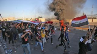 شباب عراقي يقود المظاهرات ضد الحكومة