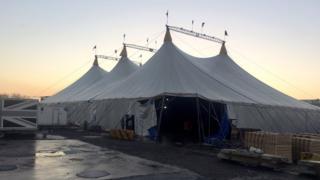 Pantomime tent