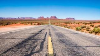सड़क की तस्वीर