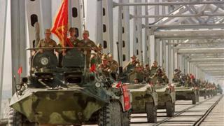د ۱۹۸۸ کال د مې پر ۲۱مه روسان له لویې ماتې وروسته له افغانستان نه ووتل