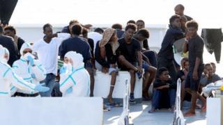 Мигранты в Катании, Сицилия