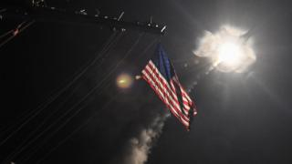Пуск ракеты Tomahawk с американского эсминца