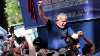 Former Brazilian President Luiz Inacio Lula da Silva is carried by supporters in Sao Bernardo do Campo, Brazil, 7 April 2018