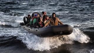 Прибытие мигрантов на остров Лесбос