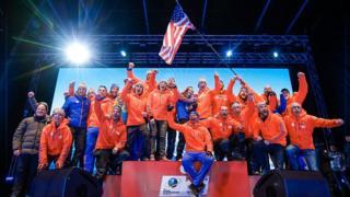 Американский биатлонист Лоуэлл Бэйли с коллегами на Чемпионате мира в австрийском Хохфильцене 16 февраля