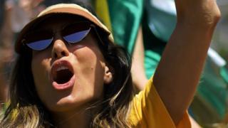 žena koja podržava novog brazilskog predsednika