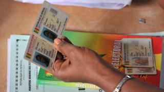 La carte d'identité biométrique lancée depuis plusieurs années au Sénégal va perdre sa validité fin 2016.