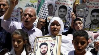 Ribuan warga Palestina ditahan Israel atas alasan keamanan.