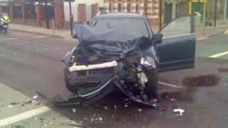 Crashed blue Vauxhall Antara