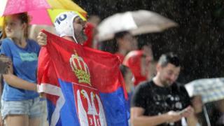 Navijače Srbije ni nevreme nije sprečilo da bodre ekipu sa tribina Tašmajdana