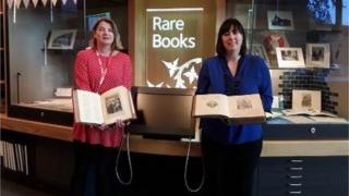 Sara Ann Kelly and Cassie Kennedy (L-R) in Dunfermline Carnegie Library