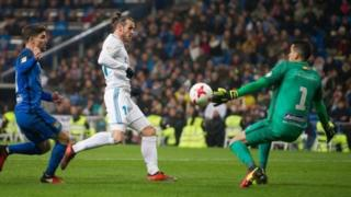 Gareth Bale lokacin da ya kai hari