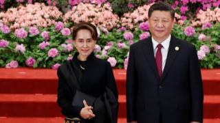 ဧပြီလက ဘေဂျင်းမှာ ကျင်းပခဲ့တဲ့ Belt And Road Forum မှာ နိုင်ငံတော်အတိုင်ပင်ခံပုဂ္ဂိုလ်ဟာ တရုတ်သမ္မတရှီနဲ့ တွေ့ခဲပါတယ်