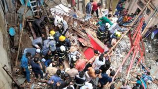 மும்பை: நான்கு மாடி கட்டடம் சரிந்தது; 40 பேர் இடிபாடுகளுக்குள் சிக்கித் தவிப்பு
