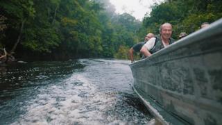 La expedición en un bote.