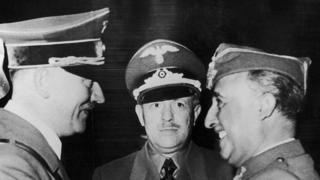 Una imagen del encuentro entre Hitler (izq.) y Franco (der.) en Hendaya, Francia, el 23 de octubre de 1940.
