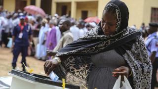 Woman dey vote