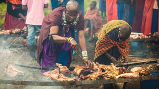 Wanawake wachoma nyama