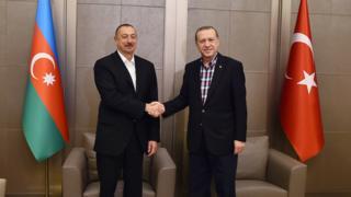 Prezident Əliyev işgüzar səfərdə olduğu İstanbul şəhərində Türkiyə prezidenti Erdoğanla görüşüb