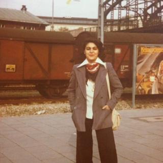 Akın Budakoğlu'nun annesinin Almanya'da çekilmiş bir fotoğrafı