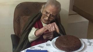 107 વર્ષના દાદી