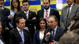 O prefeito de São Paulo, João Doria(esq) com o líder do PSDB na Câmara, Ricardo Tripoli e outros congressistas tucanos