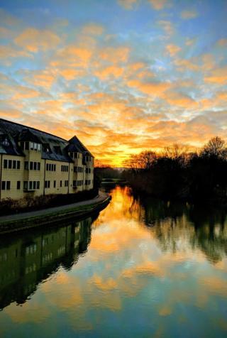 The sunset seen from Grandpont foot bridge