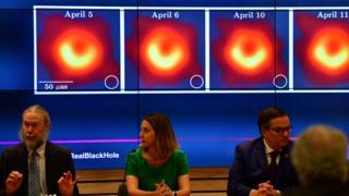 拍攝黑洞的科學家團隊在美國舉行記者會