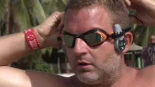 Ben Hooper partiu de Dacar em direção a Natal; travessia deve durar quatro meses e ele nadará 12 horas por dia.